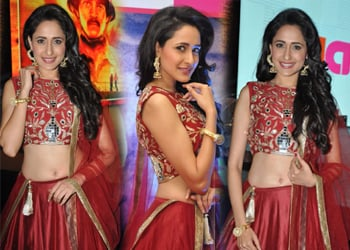 Pragya Jaiswal New Stills-Pragya Jaiswal New Stills--Telugu Actress Hot Photos Pragya Jaiswal New Stills---
