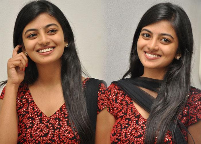 Anandhi New Stills