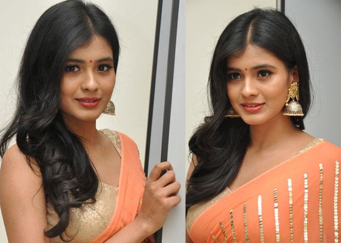Heebah Patel New Stills