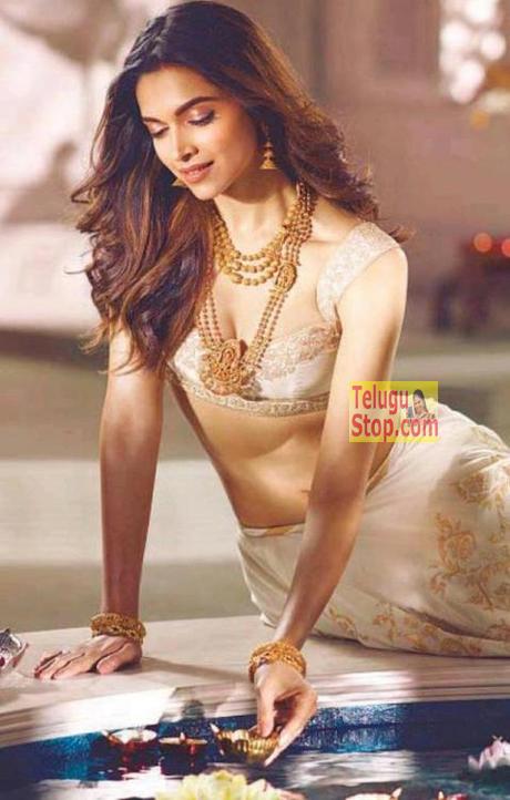 Deepika's New hot avatar Photo Image Pic