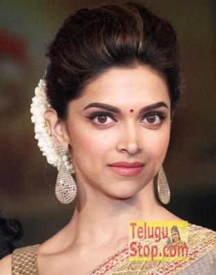 I am romantic … Says Top Actress Photo Image Pic