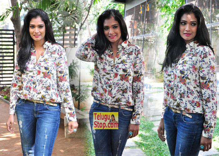 Ramya New Stills-Ramya New Stills---