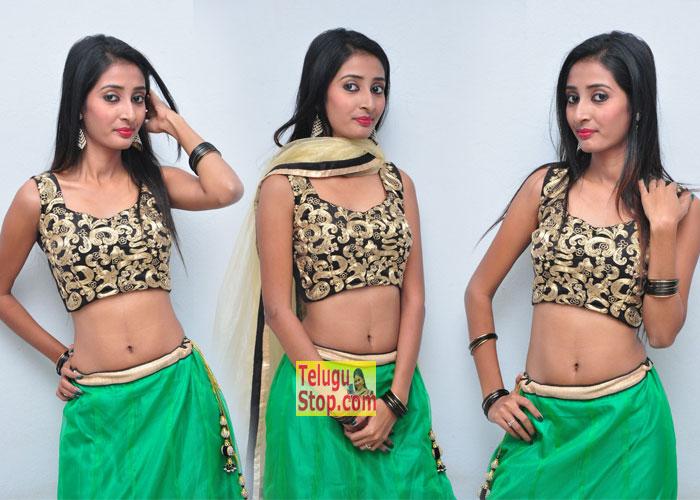 Moumita Halder Pics