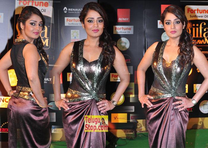 Nikitha New Stills-Nikitha New Stills--Telugu Actress Hot Photos Nikitha New Stills---