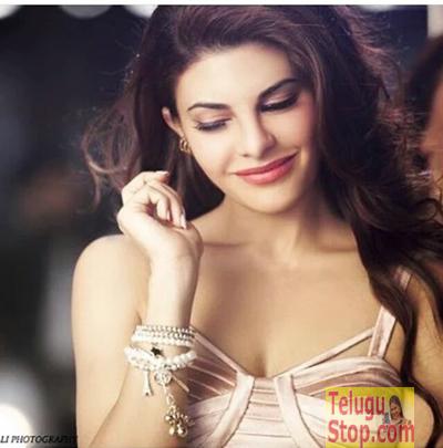 Hot Actress Made Her Singing Debut Photo Image Pic