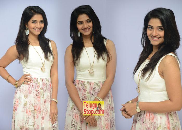 Kashmira Kulkarni Stills-Kashmira Kulkarni Stills--Telugu Actress Hot Photos Kashmira Kulkarni Stills---