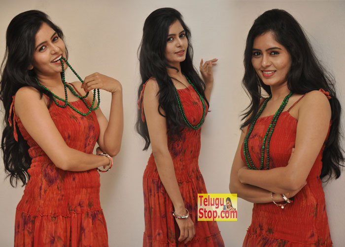 Madhumitha New Stills-Madhumitha New Stills--Telugu Actress Hot Photos Madhumitha New Stills---