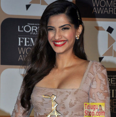 """""""I don't want to be hot Indian girl"""" says top actress Photo Image Pic"""