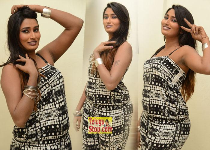 Swathi Naidu Stills-Swathi Naidu Stills--Telugu Actress Hot Photos Swathi Naidu Stills---