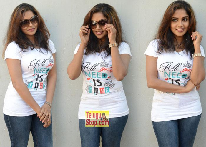 Karunya Chowdary New Stills-Karunya Chowdary New Stills---