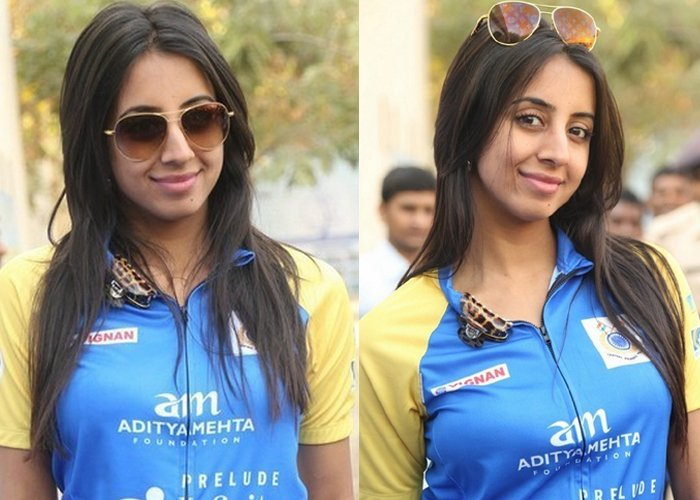 Sanjjanaa Stills-Sanjjanaa Stills--Telugu Actress Hot Photos Sanjjanaa Stills---