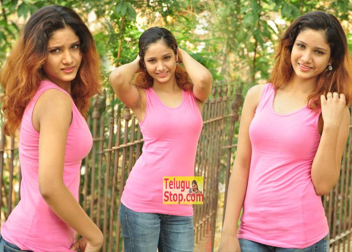 Aarthi New Photos