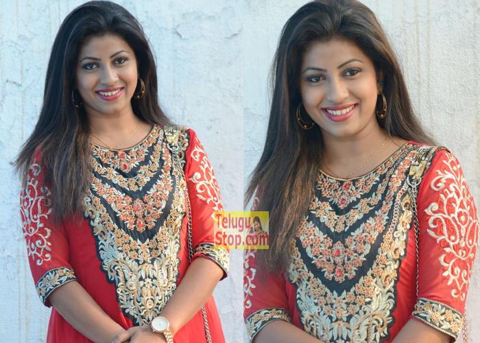 Geethanjali New Stills-Geethanjali New Stills---