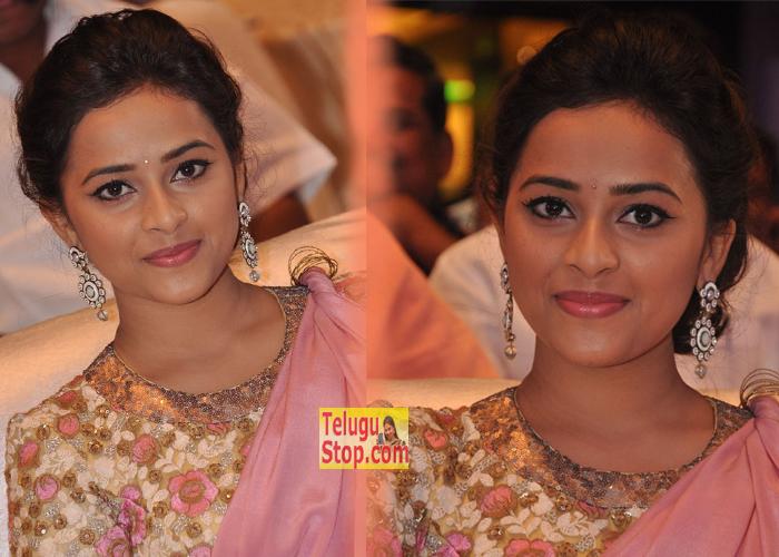 Sri Divya New Pics-Sri Divya New Pics---