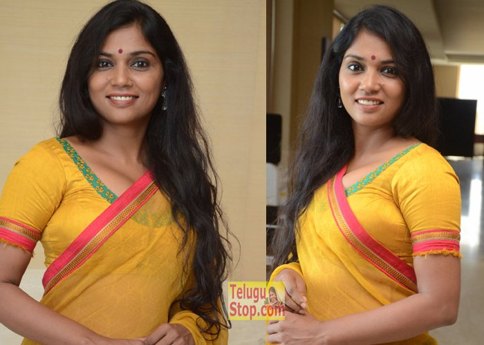 Usha Jadhav New Photos