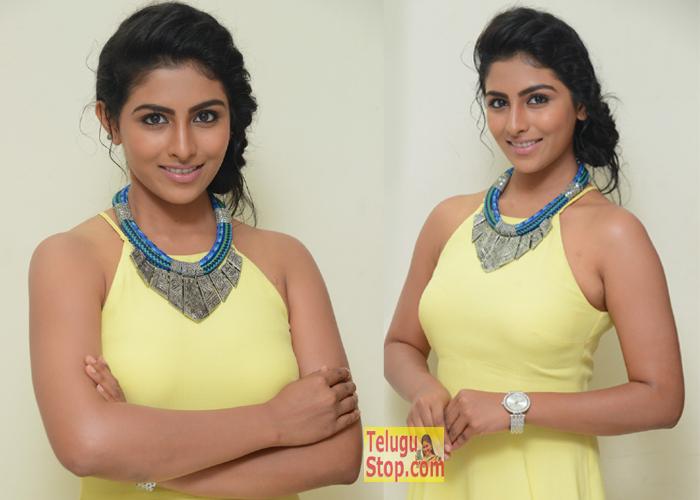 Kruthika Jayakumar Interview Stills