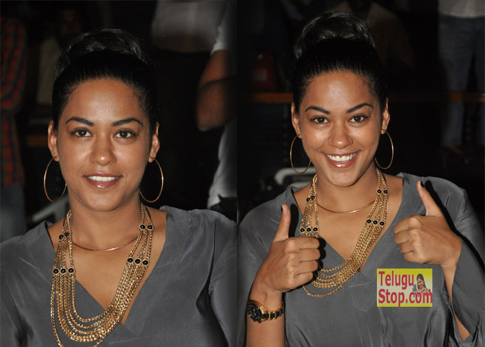 Mumaith Khan Latest Pics