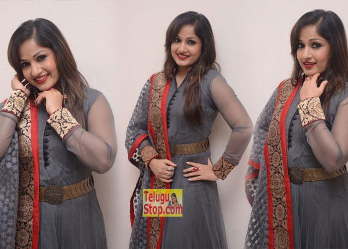Madhavi Latha New Stills-Madhavi Latha New Stills---