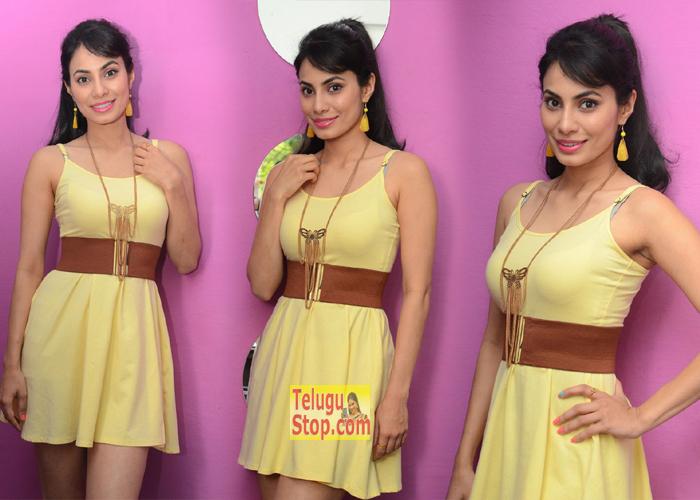 Manisha Kelkar New Stills