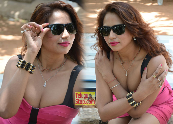 Sony Chhabria Hot Photos