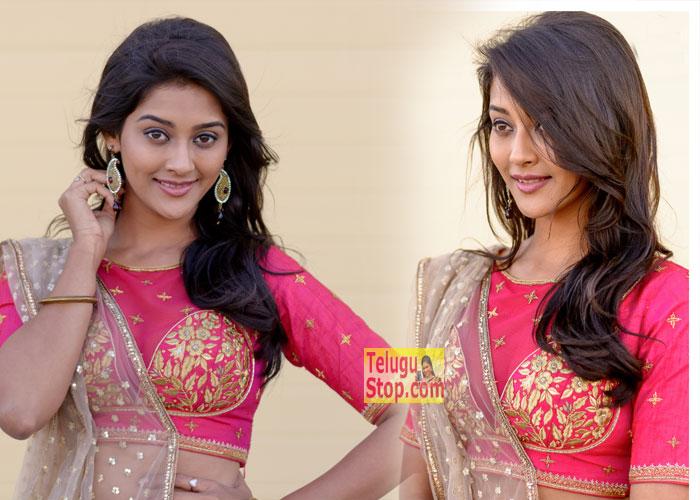 Pooja Jhaveri Latest Photos