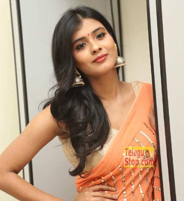 Heeba Patel Once Again Show Like Kumari 21F Naa Boyfriends Photo,Image,Pics-