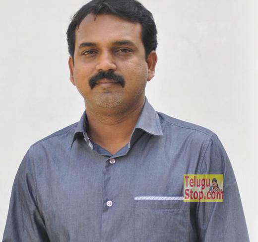 Koratala Siva brings Tamil writers for help