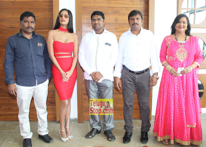 Poonam Pandey Movie Opening Photos Pics New Pandey' Download Online HD Quality