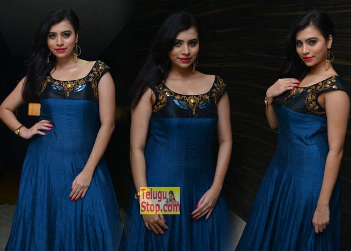 Priyanka At Kotikokkadu Audio Launch Latest Pics New Gallery Photos Stills Download Online HD Quality
