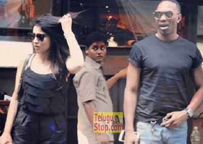 Shriya Dating With Bravo,Shriya Responds On Love Affair With Cricketer Bravo,shriya Saran Photo,Image,Pics-