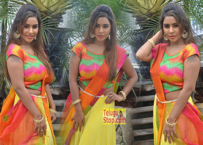 Sri Reddy New Photos