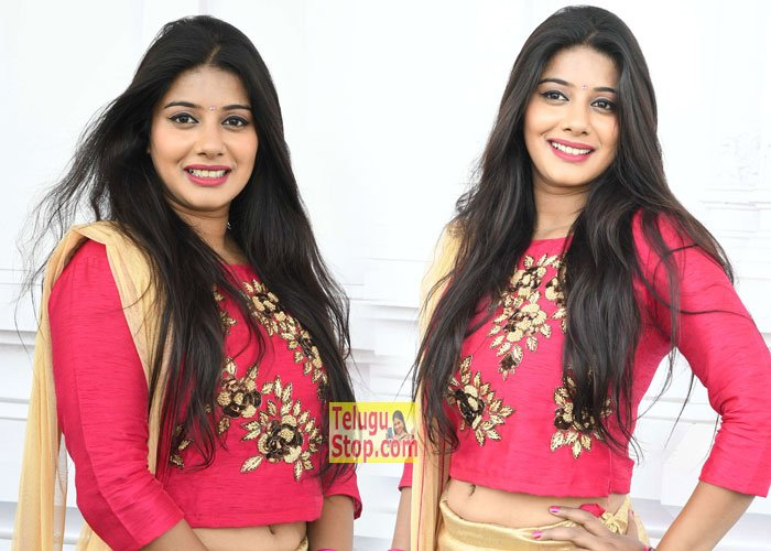 Sruthi Latest Photos