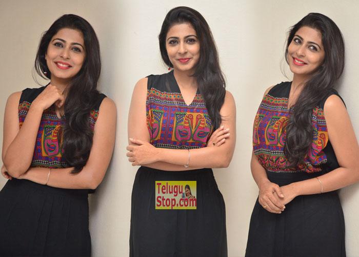 Sunny Wayne At Pilla Rakshasi Audio Launch Latest Gallery New Pics Photos Download Online HD Quality