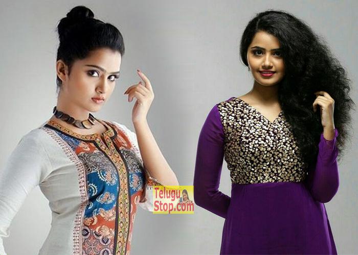 Anupama Parameswaran New Stills- Telugu