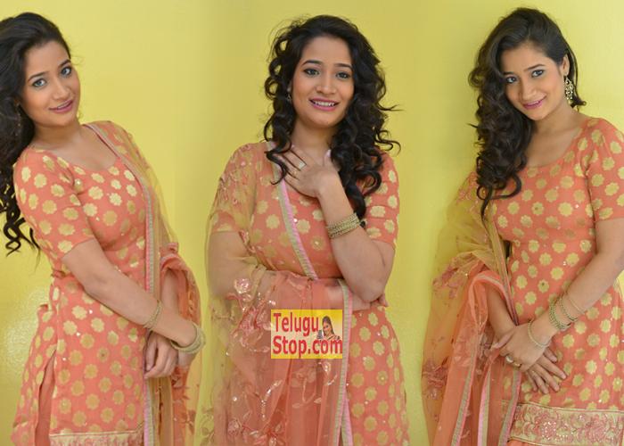 Santoshi Sharma New Stills-Santoshi Sharma New Stills---