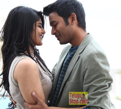 Actress helping out Dhanush in lip lock scenes-