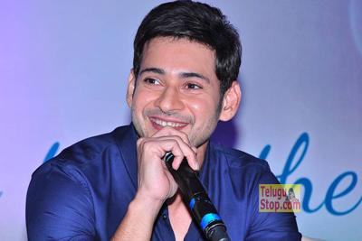 Mahesh showers compliments on Chiru and Balayya-