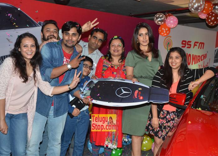 Mirchi 95 Suno Aur Mercedes Jeeto Contest Photos Rashi Khanna At Latest Stills Download Online HD Quality