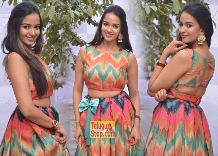 Pujitha Ponnada New Images-Pujitha Ponnada New Images---