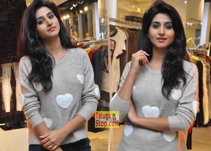 Shamili Sounderajan New Gallery- Telugu