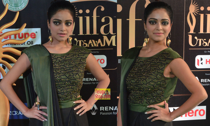 Janani Iyer Latest Images