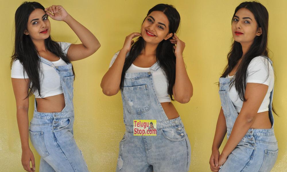 Neha Deshpande New Pics-