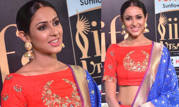 Priya Sri Stills
