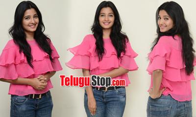 Deepthi Shetty New Stills-Deepthi Shetty New Stills--Telugu Actress Hot Photos Deepthi Shetty New Stills---