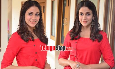 Lavanya Tripathi New Stills-Lavanya Tripathi New Stills---