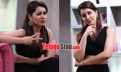 Raashi Khanna New Stills-Raashi Khanna New Stills--Telugu Actress Hot Photos Raashi Khanna New Stills---