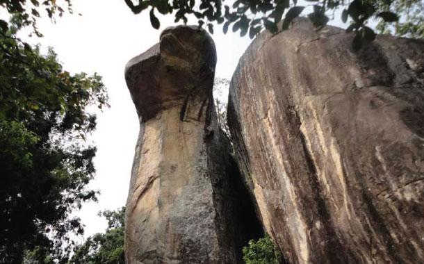 8 Proofs That Ramayana Really Happened-Cobra Hood Cave Ram Setu Ramayana Happened Vijayadashami Festival