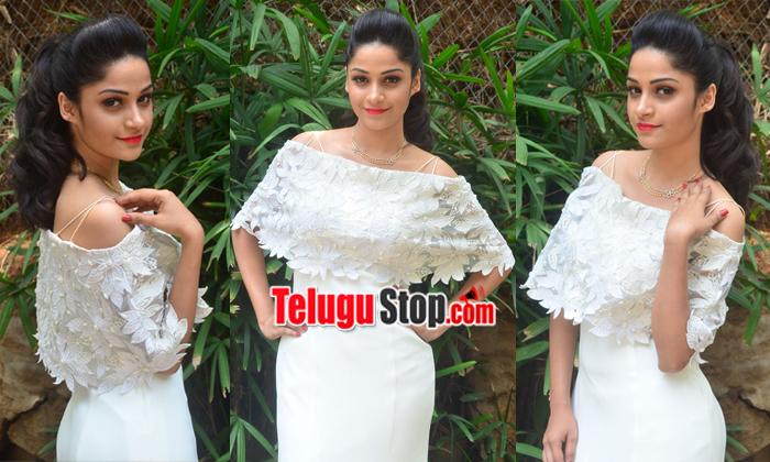 Divya Nandini New Stills