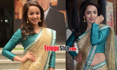 Tejaswi Madivada Latest Stills-Tejaswi Madivada Latest Stills---