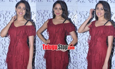 Pragya Jaiswal Latest Stills-Pragya Jaiswal Latest Stills--Telugu Actress Hot Photos Pragya Jaiswal Latest Stills---
